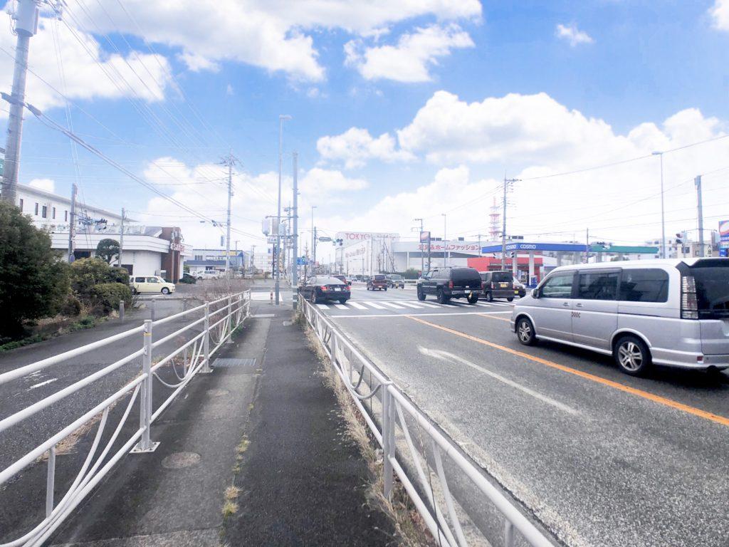 甲府昭和高校入口交差点