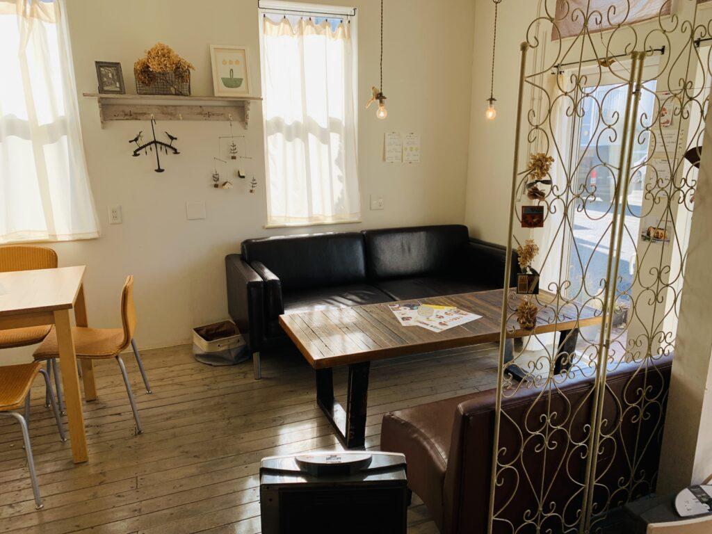 Cafe cotogoto(カフェコトゴト)のソファー席